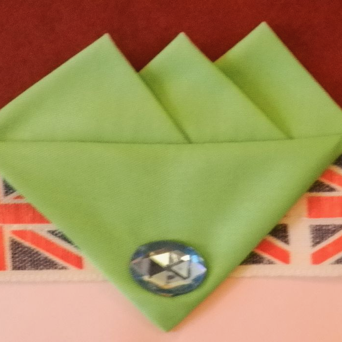 Green (pale) Three Point Pocket Hankie & Pin